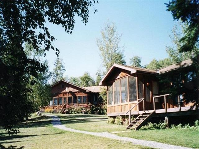 02-Main-Lodge-and-Cabin-1-Medium