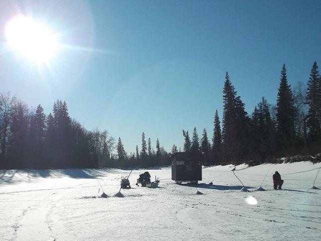 ice-fishing2