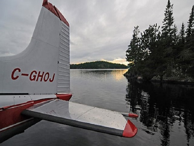 moosehorn-lake-with-plane-web