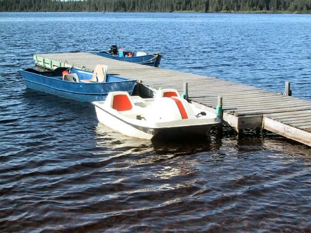 dock-paddlewheelboat
